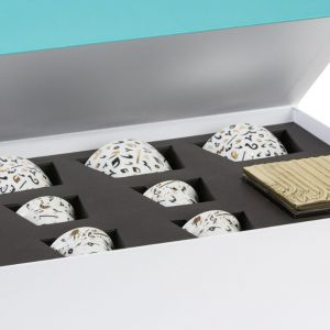 Black Accents Mix & Match Gift Box